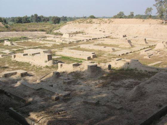 Древний город Хараппа и его руины.