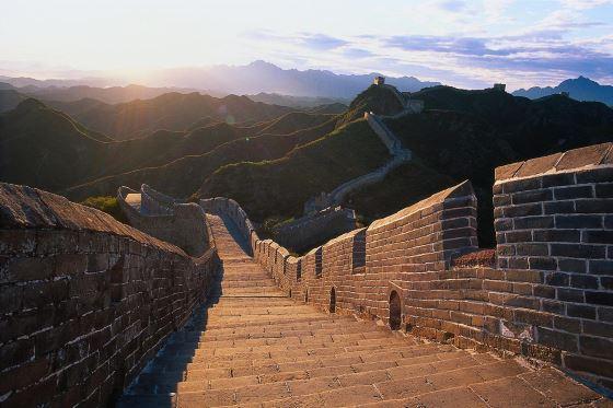 Какая длина великой китайской стены.