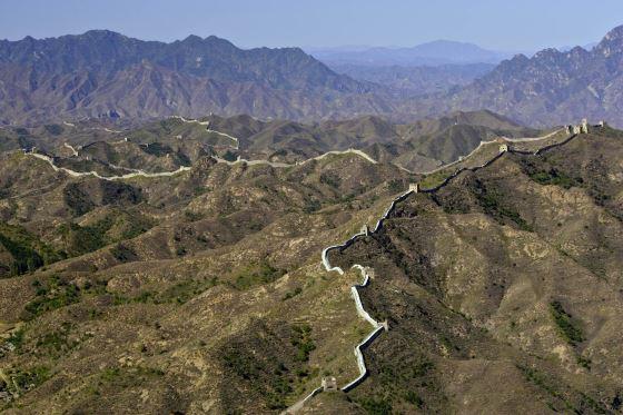 Великая китайская стена панорама фото сделано летом.