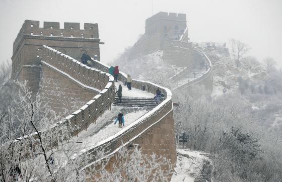 Великая китайская стена зимний вид.