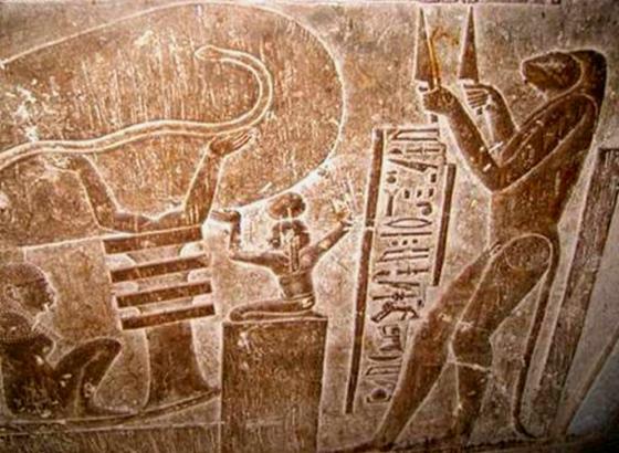 Египет - фото с изображение богини Хекет.