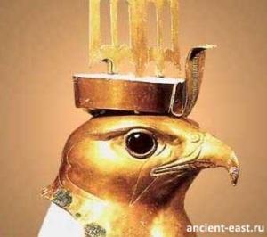 Гор - бог неба, царственности и солнца, покровитель фараонов.