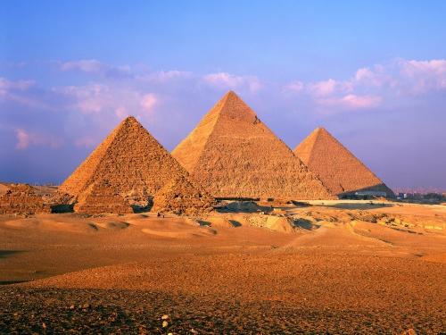 Пирамиды на плато Гизы и история египетских пирамид.