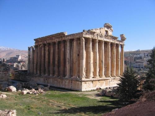 Храм Диониса(Бахуса) руины.