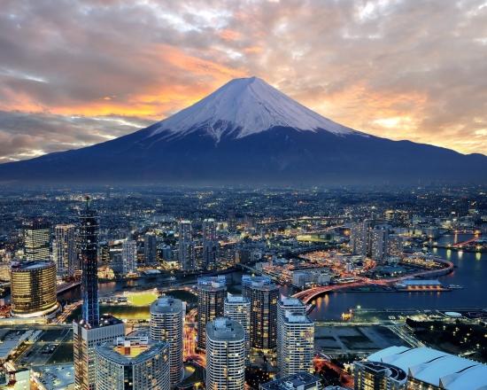 Фудзияма вид с города городской пейзаж.