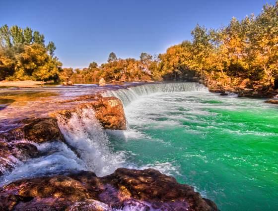 Фотография Водопада Манавгат вид на скалы.