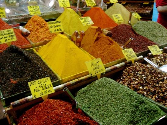 Пряности и вкусности - большой базар Стамбул.