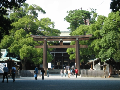 Храм Meiji Shrine - красивый храм.
