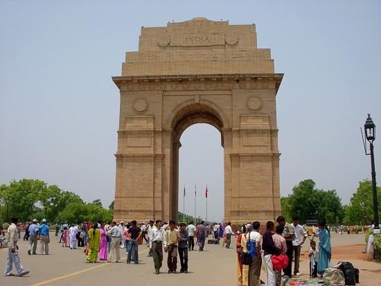 Ворота Индии - Возведён по проекту Эдвина Лаченса.