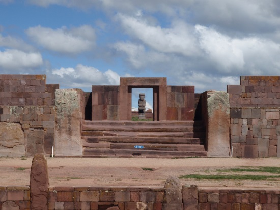 Тиуанако - древний комплекс.