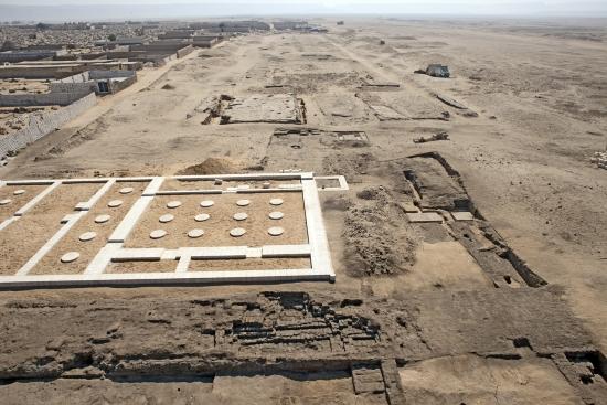 Руины города и столицы Ахетатон.