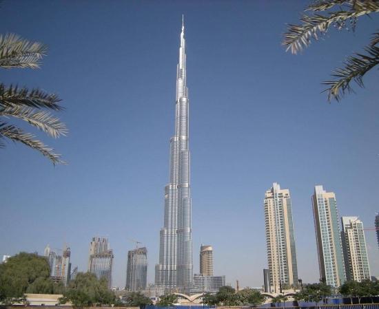 Бурдж-Халифа - небоскреб, отель, офисное здание.