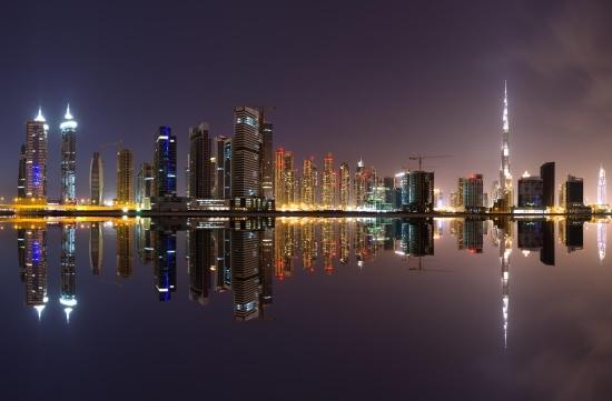 Город Дубай - панорама столицы ОАЭ.