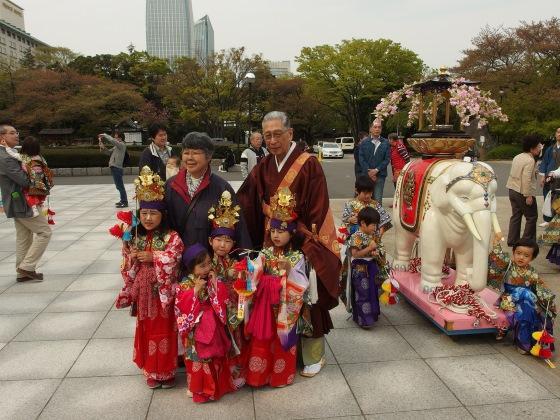 Хана Мацури - день рождения Будды.