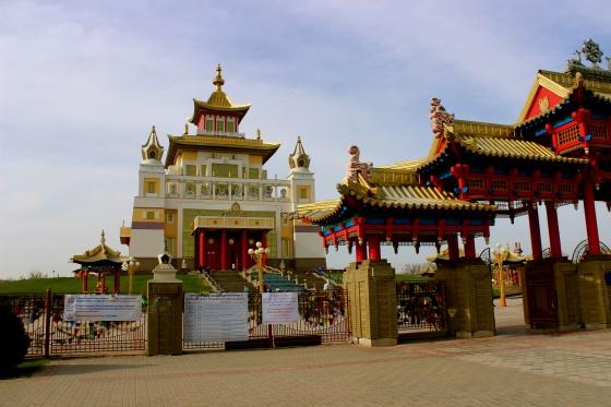 Буддийский храм в Элисте это главная достопримечательность города.