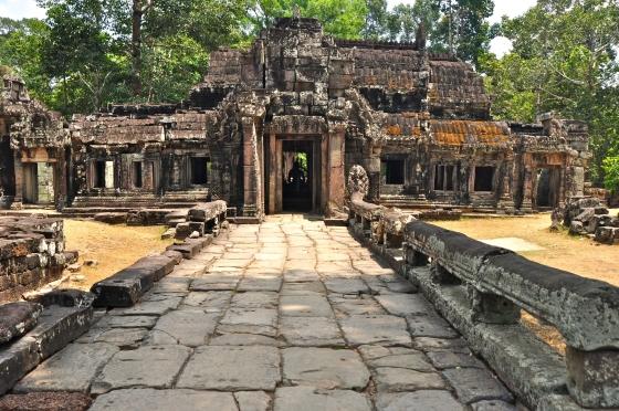 Храмы Ангкор Вата - вход в руины храма.