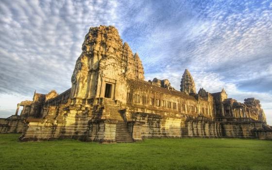 Фото Ангкор Вата - центральная панорама комплекса.