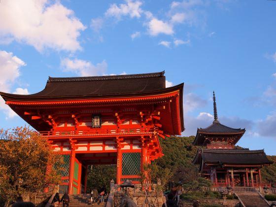 Ворота Нио - храма Киёмидзу-дэра