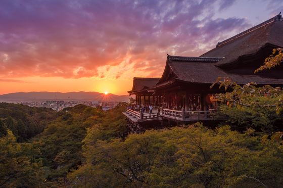 Киёмидзу-дэра - храм в Киото.