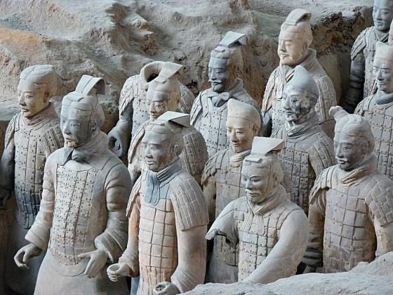 Достопримечательности Китай фото и описание - статуи китайских воинов.