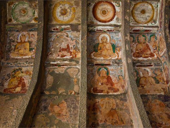 Храмы Аджанты - фрески просто поражают.