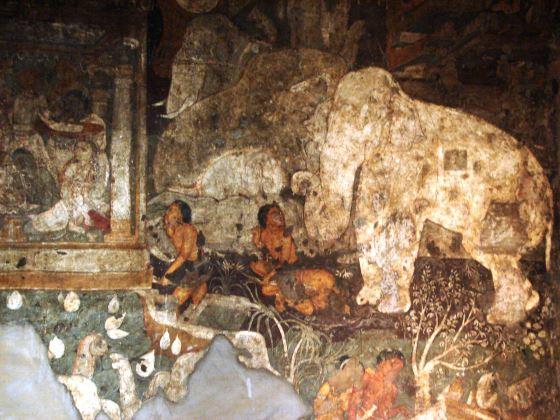 Буддийский храм в Аджанте и работа мастера..