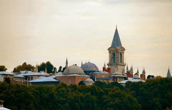 Дворец Топкапы центральный вид - архитектура Турции.