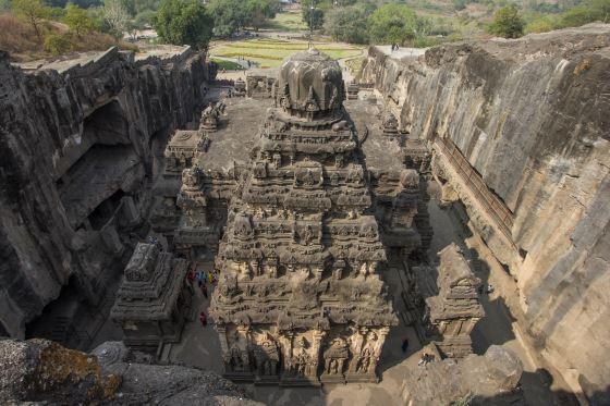 Храм Кайласанатха - шедевры индийской архитектуры.