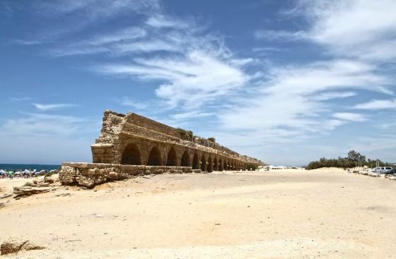 «Высокий» акведук - Кесария фото