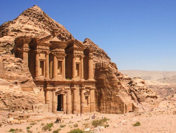 Город Петра - визитная карточка Иордании.