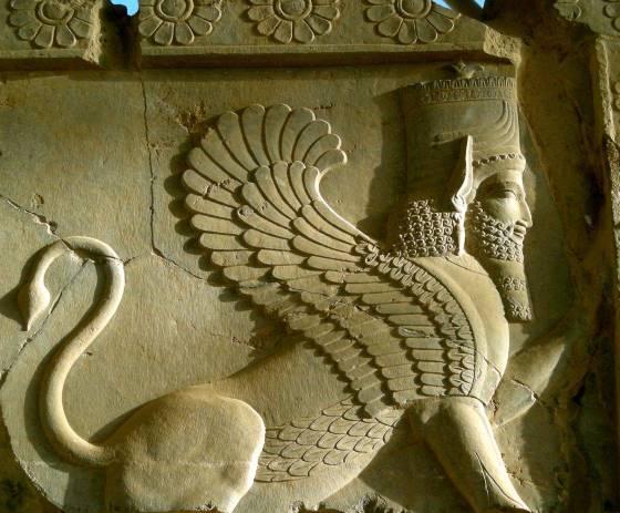 Барельеф Шеду - дух хранитель. ancient-east.ru