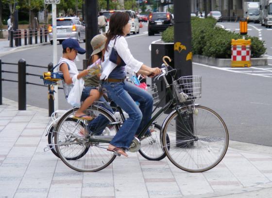 Обычаи японцев - виды транспорта для семьи.