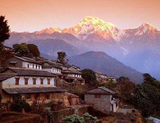 Горы Непала - манят своей небесной красотой.