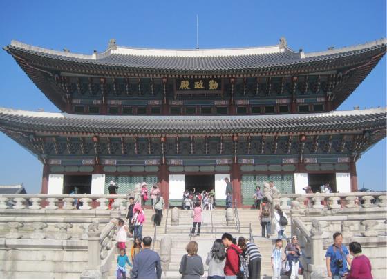 Тронный зал Кёнбоккун.