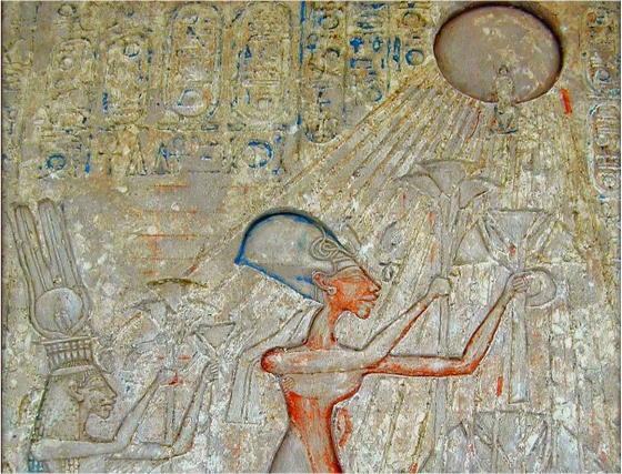 Царь Эхнатон и Царица Нефертити совершают подношение богу Атону. ancient-east.ru