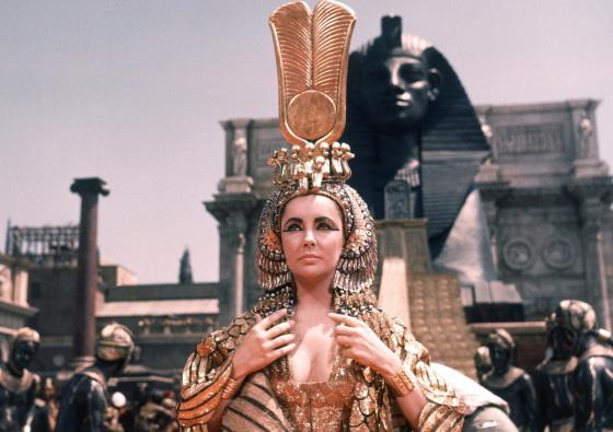 Царица Клеопатра - фрагмент из фильма Клеопатра(1963г) в главной роли Элизабет Тейлор.
