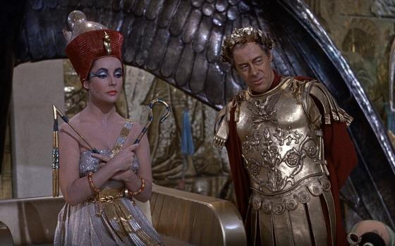 Фрагмент фильма Клеопатра (1963г) - в роли Клеопатры Элизабет Тейлор в роли Юлия Цезаря Рекс Харрисон.