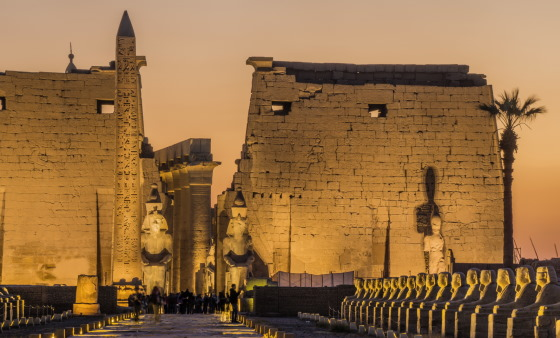 Луксорский храм - данный храм посвящен богу Амону-Ра. Фивы